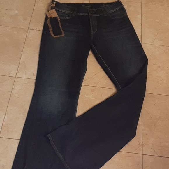 Silver jeans nwt mid rise bootcut